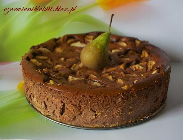 Sernik czekoladowy z nutellą i gruszkami